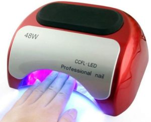 Сушка ногтей в LED-лампе