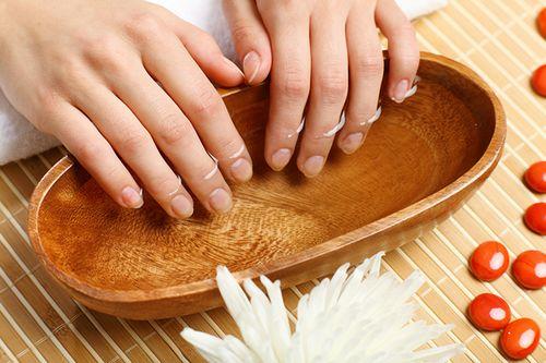 Ванночки для слоящихся ногтей